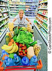 donna, con, carrello, in, supermercato