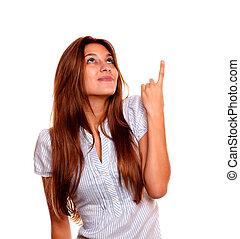 donna, copyspace, indicare, giovane, carino