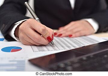 donna d'affari, assegni, il, avviare, relazione