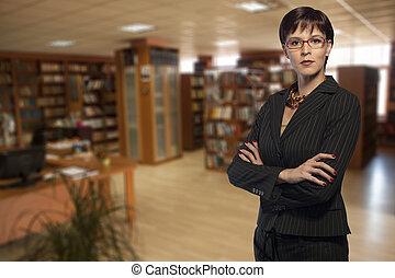 donna d'affari, biblioteca