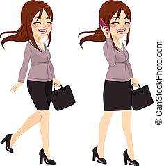 donna d'affari, camminare, smartphone