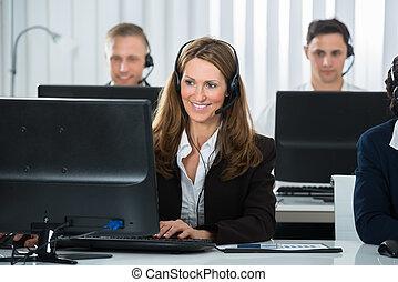 donna d'affari, colleghi, ufficio, lavorativo