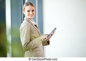 donna d'affari, computer, tavoletta, usando