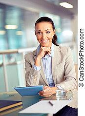 donna d'affari, con, touchpad
