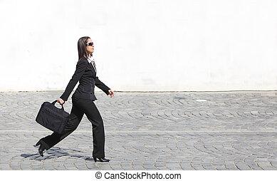 donna d'affari, fretta