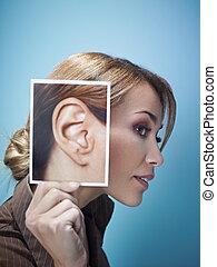 donna d'affari, grande, orecchie