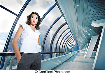 donna d'affari, in, futuristico, interno