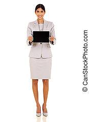 donna d'affari, indiano, computer, presentare, tavoletta