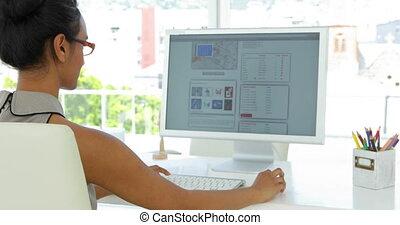 donna d'affari, lavorando, lei, scrivania