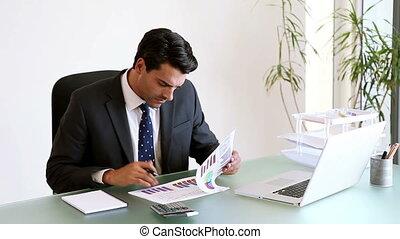 donna d'affari, lavorativo, con, tabelle