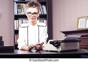 donna d'affari, lei, ufficio