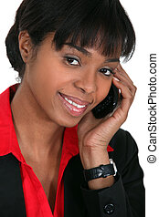donna d'affari, presa, chiamata, sorridente, telefono