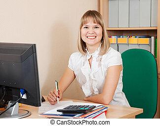 donna d'affari, su, lei, posto lavoro, in, ufficio