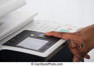 donna d'affari, urgente, stampante, bottone