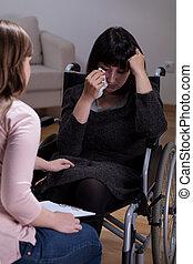 donna disabile, terapeuta, lei