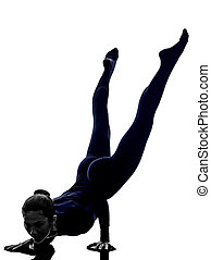 donna, esercitarsi, mayurasana, pavone, atteggiarsi, yoga, silhouette