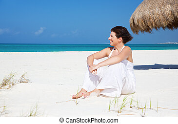 donna felice, spiaggia