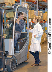 donna, forklift, giacca, parlare, bianco, uomo