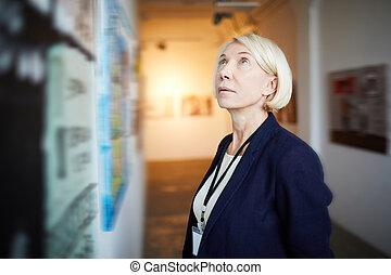 donna, galleria arte, maturo