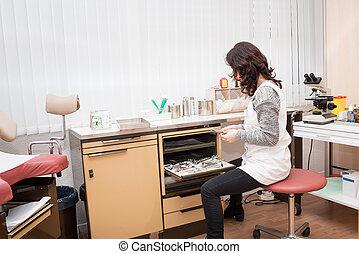 donna, ginecologo, lavorativo
