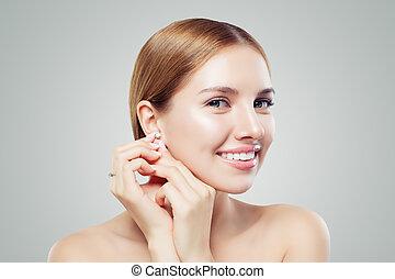 donna, gioielleria, orecchini, su, diamante, model., chiudere, ritratto, anello, attraente