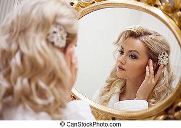 donna, giovane guardare, ritratto, sexy, specchio., vestire, bianco