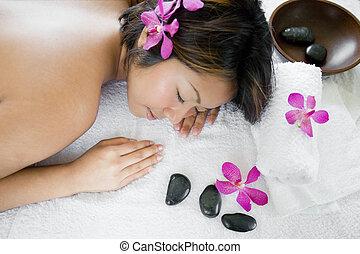 donna, giovane, indietro, asiatico, terme, godere, massaggio