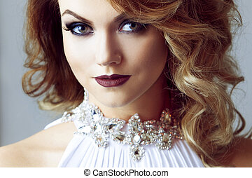 donna, giovane, ritratto, sexy, vestito bianco