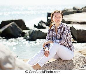 donna, godere, su, pietra, mare