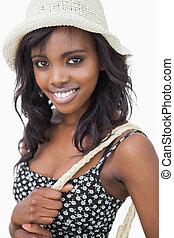 donna, il portare, cappello estate, e, nero, vestito fiore