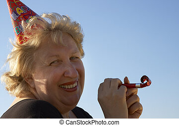 donna, in, compleanno, berretto