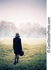 donna, in, il, nebbia