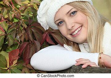 donna, in, uno, cappello inverno