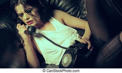 donna, lacrime, su, uno, telefono