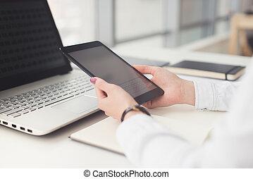 donna, lavorativo, tavoletta, calcolatore pc laptop, tavola