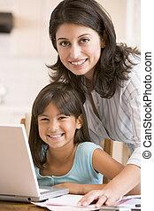 donna, lavoro ufficio, laptop, giovane ragazza sorridendo,...