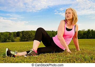donna, lei, stiramento, mezza età, 40s, fuori, esercizio