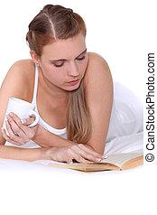 donna, libro, letto, lettura