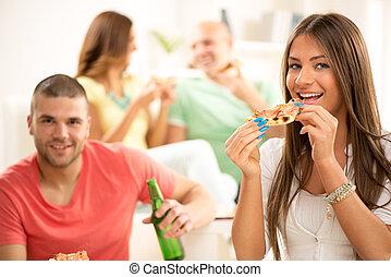 donna mangia, giovane, pizza
