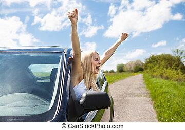 donna, mano eleva, fuori, di, finestra automobile