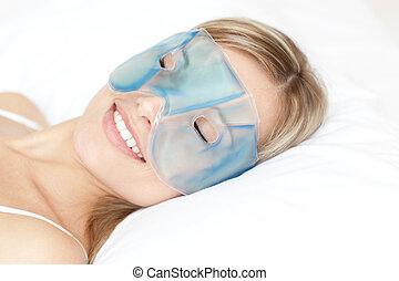 donna, maschera, rilassato, occhio, gel
