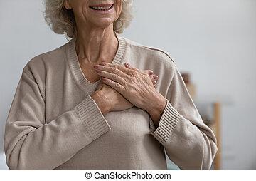 donna, mezzo, ringraziare, mani piegarono, heart., invecchiato, dio