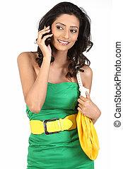 donna parlando, in, telefono cellulare