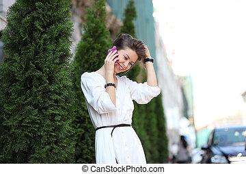 donna parlando, mobile, giovane, telefono, ritratto