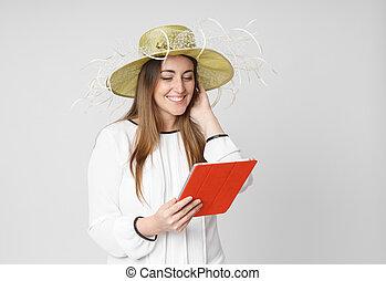 donna, pc tavoletta, bianco, lettura, cappello, felice