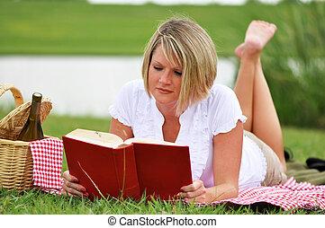 donna, picnic, libro, vino