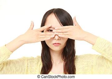 donna, pigolio, lei, mantello, dita, faccia, macchina fotografica, attraverso, mani