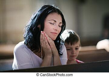 donna pregando, lei, figlio