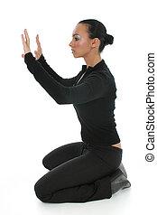donna pregando, pavimento