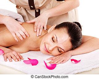 donna, prendendo massaggio, in, spa.